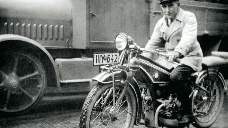 ¿Cuál fue la primera moto BMW?